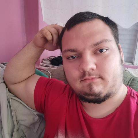 András, 20 éves társkereső férfi - Békés