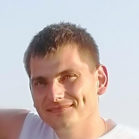 Gábor , 32 éves társkereső férfi - Onga