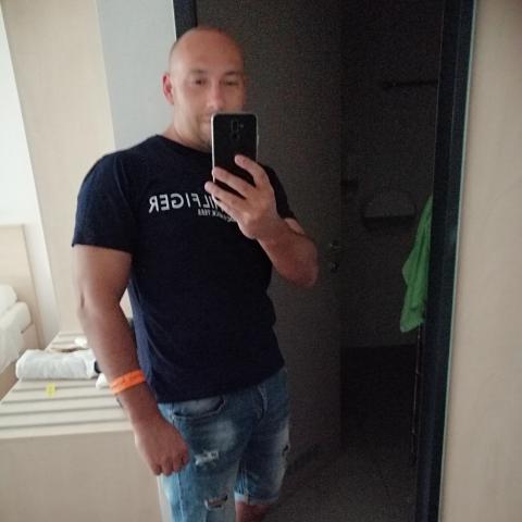 Tamás, 40 éves társkereső férfi - Miskolc