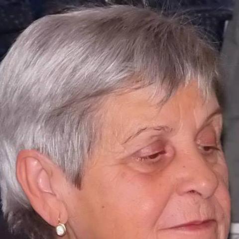Erzsi, 74 éves társkereső nő - Füzesgyarmat