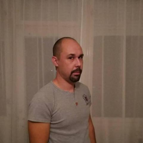 Róbert, 33 éves társkereső férfi - Zalaegerszeg