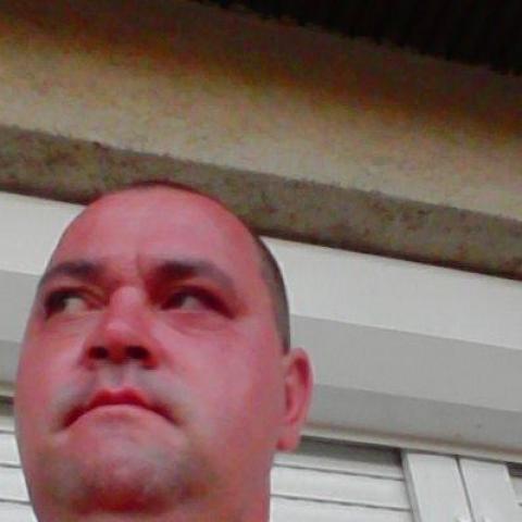 Bálint, 38 éves társkereső férfi - Eszteregnye