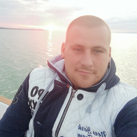 Ádám, 29 éves társkereső férfi - Salgótarján