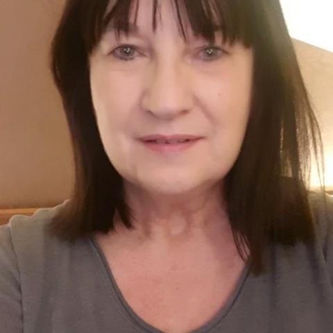 Andrea, 57 éves társkereső nő - Budapest