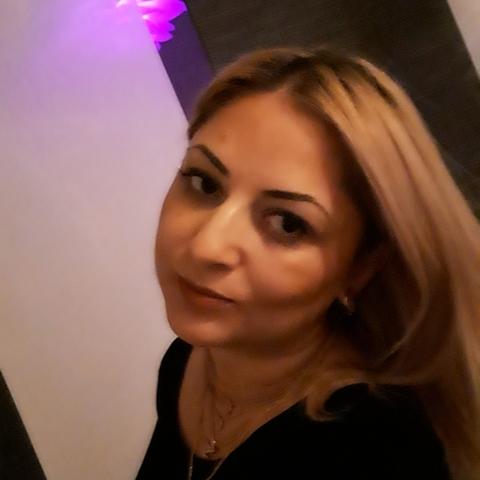 Luna, 40 éves társkereső nő - Esslingen