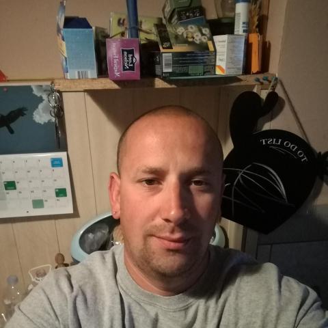 Peter, 39 éves társkereső férfi - Paks