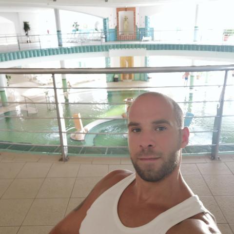Laca, 37 éves társkereső férfi - Komló