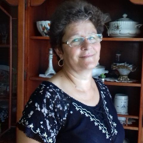 Erzsi, 59 éves társkereső nő - Kőszárhegy