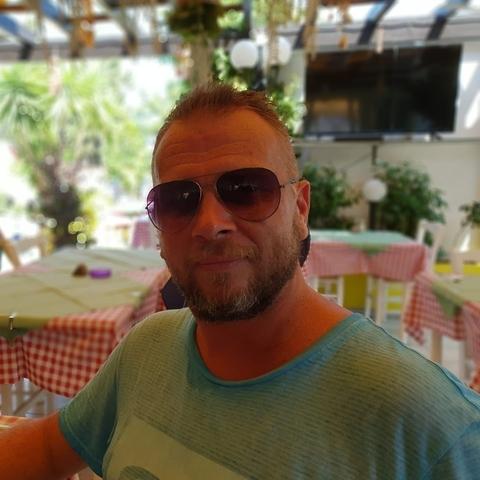 Roland Sándor, 42 éves társkereső férfi - Veresegyház