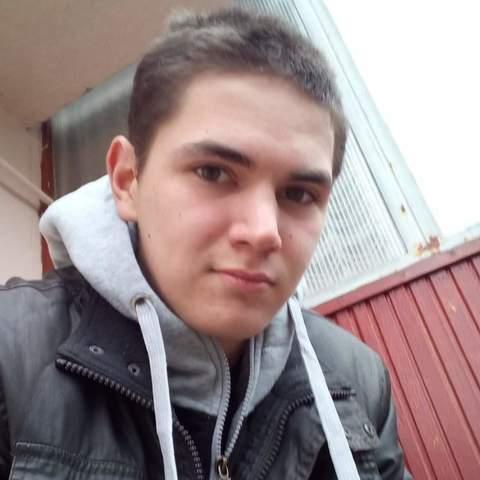 János, 21 éves társkereső férfi - Hajdúszoboszló
