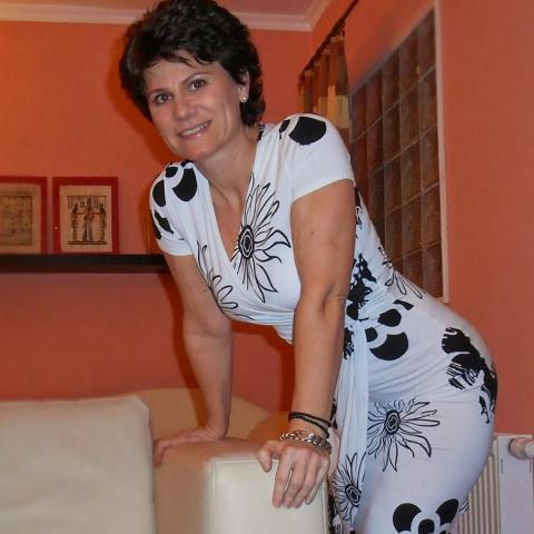 Juli, 53 éves társkereső nő - Győr