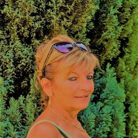Ibolya, 61 éves társkereső nő - Sárbogárd