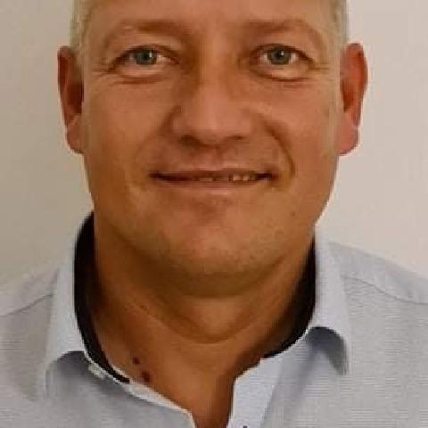 Csaba, 45 éves társkereső férfi - Dunaújváros
