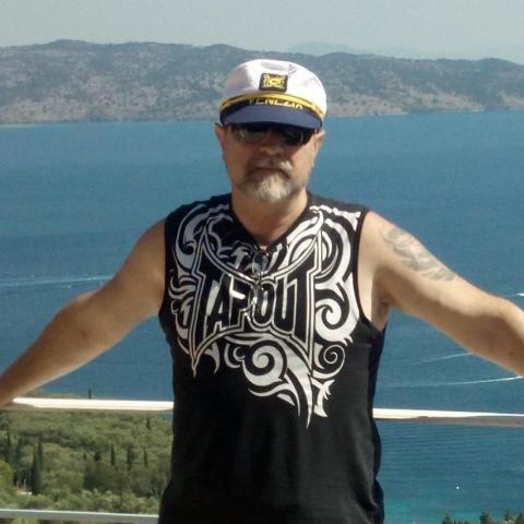 Karesz, 61 éves társkereső férfi - Nova