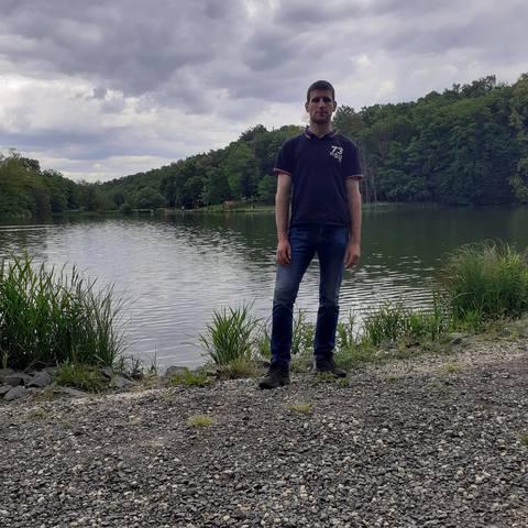 József, 26 éves társkereső férfi - Vaspör