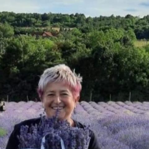 Gyöngyi, 57 éves társkereső nő - Dunakeszi