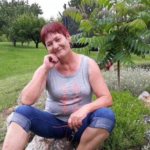 Zsuzsanna, 58 éves társkereső nő - Pécs