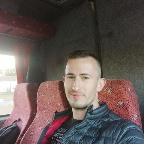 Péter, 28 éves társkereső férfi - Székesfehérvár