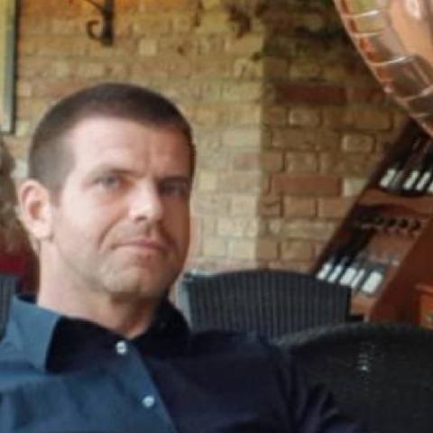 Tomi, 41 éves társkereső férfi - Mór