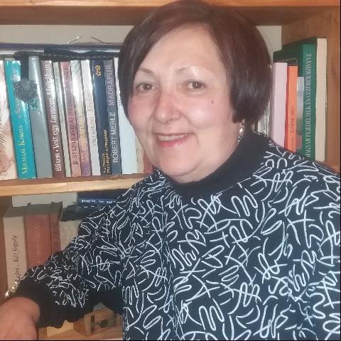Gabriella, 68 éves társkereső nő - Eger
