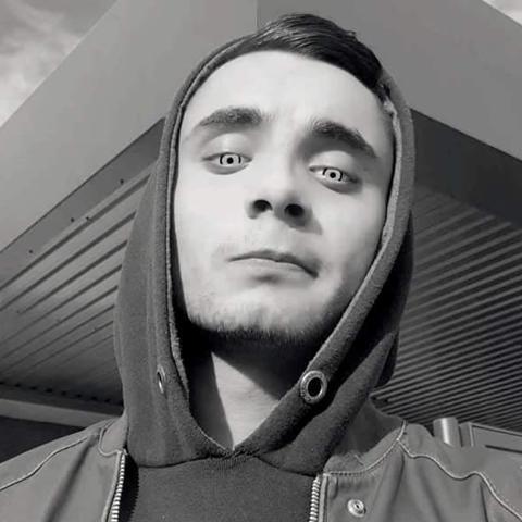 Ákos, 23 éves társkereső férfi - Bátaszék