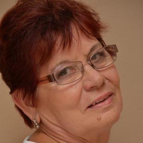 Aranka, 77 éves társkereső nő - Szeged