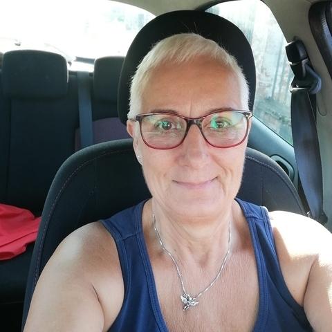 Kati, 61 éves társkereső nő - Debrecen
