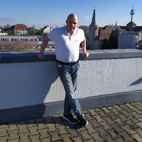 János, 51 éves társkereső férfi - Üröm