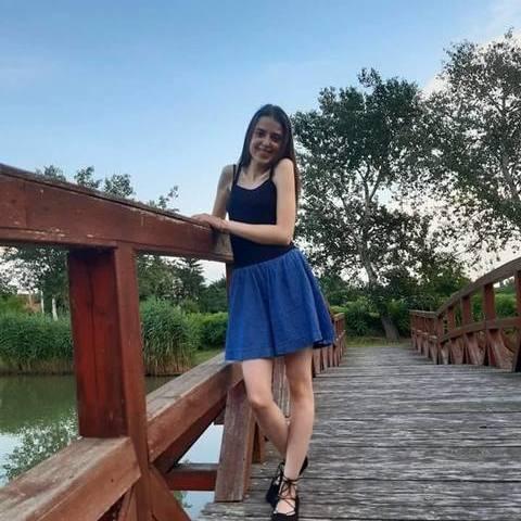 Nóri, 19 éves társkereső nő - Vésztő