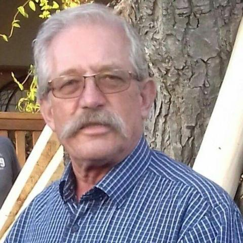 Béla, 69 éves társkereső férfi - Győr