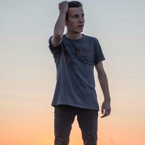 Csaba, 21 éves társkereső férfi - Szeged