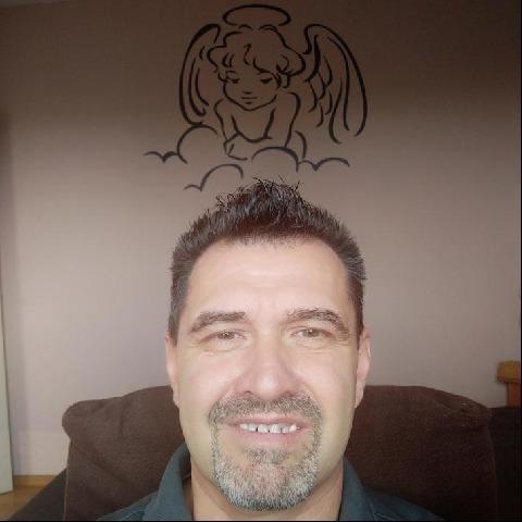 Viktor, 55 éves társkereső férfi - Dunaújváros