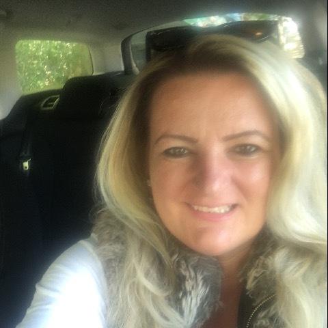Kriszta, 47 éves társkereső nő - Miskolc