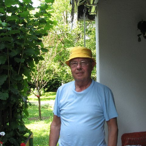 János, 77 éves társkereső férfi - Érd