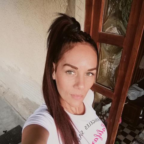 Enikő, 34 éves társkereső nő - Debrecen