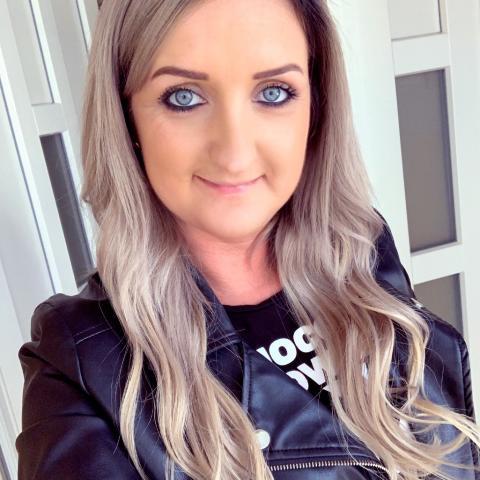 Kata, 34 éves társkereső nő - Székesfehérvár