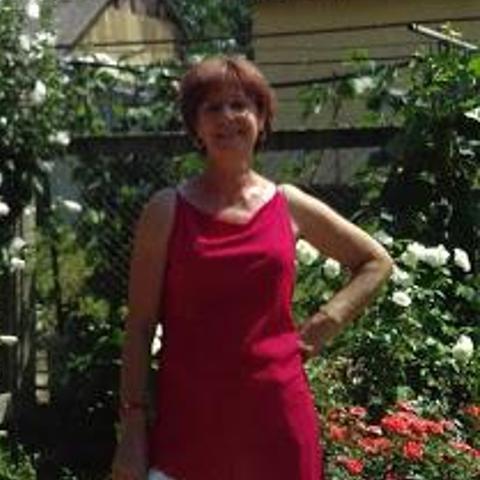Emi, 62 éves társkereső nő - Napkor
