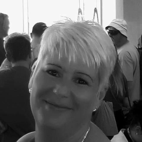Dóra, 42 éves társkereső nő - Mezőkövesd