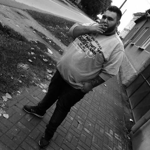 Erik, 20 éves társkereső férfi - tornala