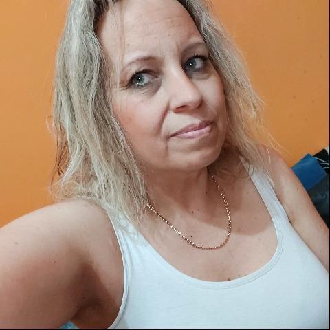 Karolina, 45 éves társkereső nő - Miskolc