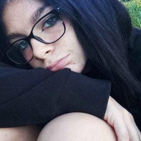Noémi, 18 éves társkereső nő - Vác