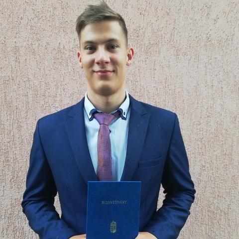 Zoltán, 19 éves társkereső férfi - Elek