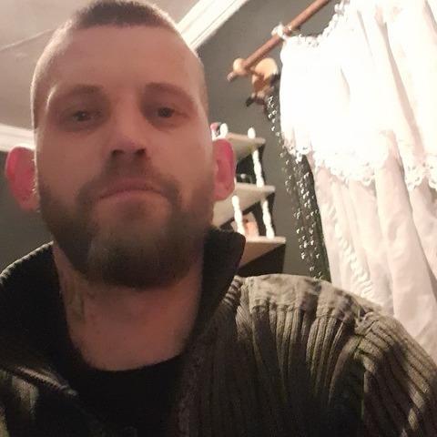 Zoltan, 34 éves társkereső férfi - Debrecen