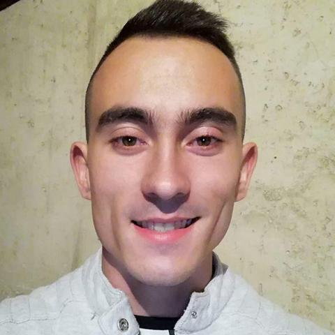 Mihály, 23 éves társkereső férfi - Polgár