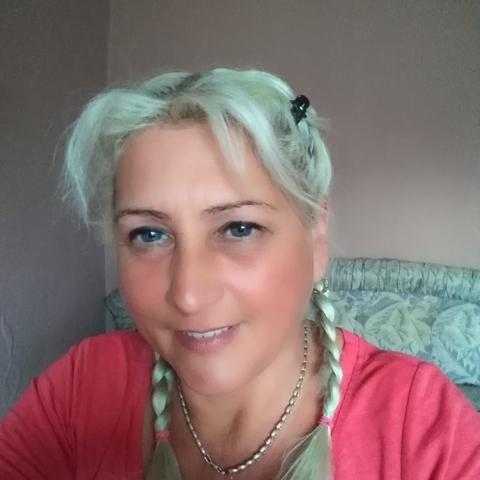 Mónika, 46 éves társkereső nő - Valkó