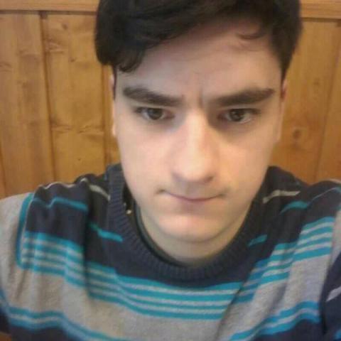 György, 22 éves társkereső férfi - Nagyszénás