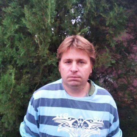 Csaba, 42 éves társkereső férfi - Újkenéz