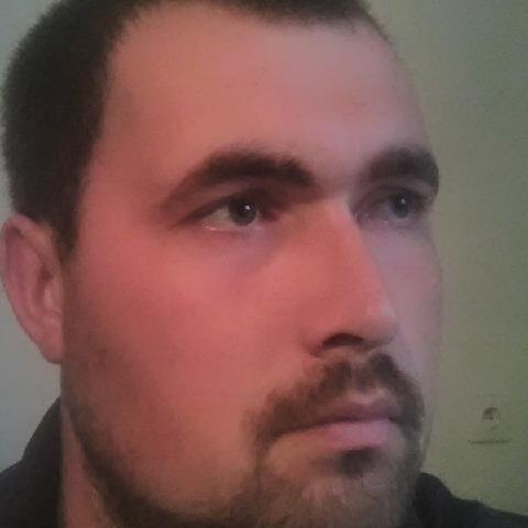 Gábor, 27 éves társkereső férfi - Komárno