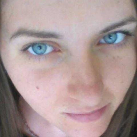 Evelin, 26 éves társkereső nő - Budapest