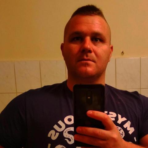 Jani, 34 éves társkereső férfi - Miskolc